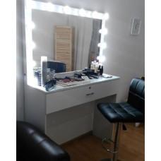 Туалетный столик с зеркалом и освещением М-11