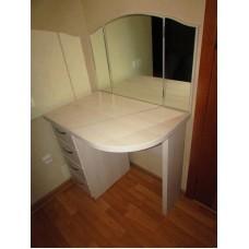 Туалетный столик М 4