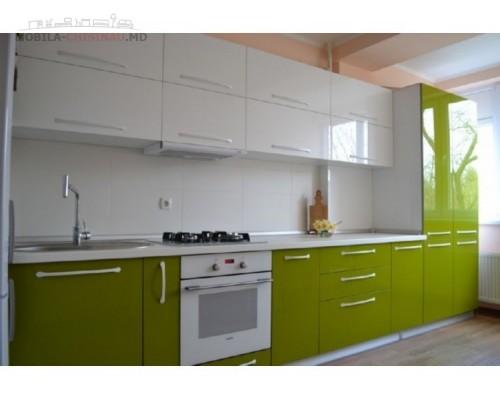Бело-зеленая кухня на заказ Модель M-16