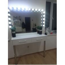 Туалетный столик с зеркалом и освещением М-21