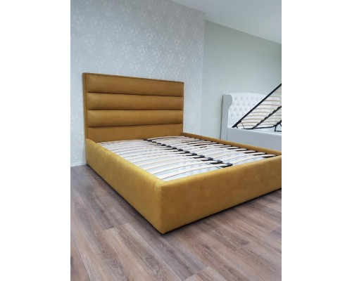 Мягкая двуспальная  кровать М-13