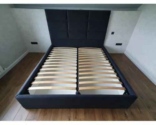 Двуспальная кровать с мягким изголовьям и ящиком для хранения М-21
